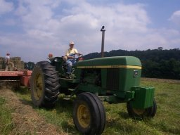 Making hay with a borrowed JD 2840.