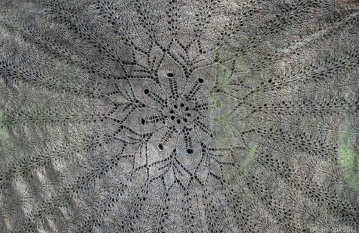 Central motif under natural light.